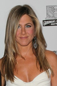 Jennifer+Aniston+Long+Hairstyles+Layered+Cut+G18CfAepoJcl