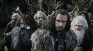 Richard-Armitage-leads-the-dwarves-in-The-Hobbit-The-Desolation-of-Smaug