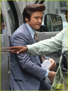 amy-adams-jeremy-renner-go-retro-for-american-hustle-05