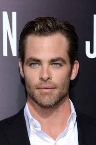 Chris-Pine-in-Ralph-Lauren-Purple-Label-suit-Jack-Ryan-Shadow-Recruit-LA-Premiere--600x902