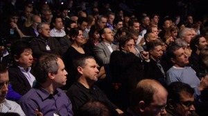 1-Bored-Audience-at-iPads-launch