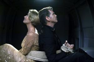 Pierce-Brosnan-Emma-Thompson-_-THE-LOVE-PUNCH