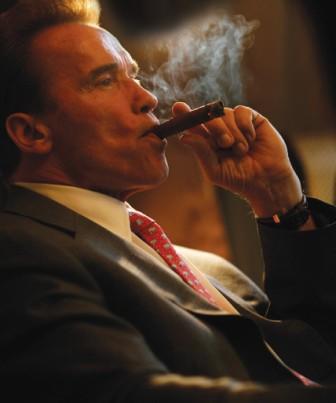 1285964777-arnold_cigar