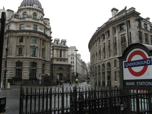 Bank_station
