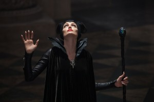 maleficent-angelina-jolie3-600x400