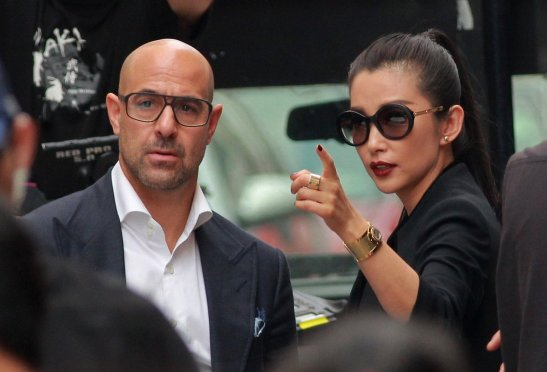 stanley-tucci-transformers-4-set-hong-kong_1383164424