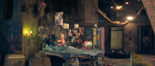 chappie-movie-teaser-screenshot-yolandi-vier
