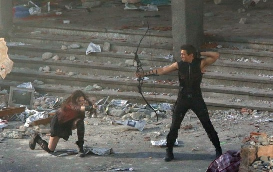 hawkeye-and-scarlett-witch-from-avengers-age-of-ultron-e1395754759355