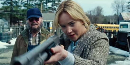 jennifer-lawrence-saves-her-latest-oscar-hopeful-movie-joy-from-being-a-total-disaster