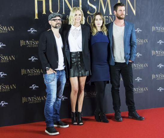 troyan-theron-blunt-hemsworth-the-huntsman-winter-s-war-photocall-02