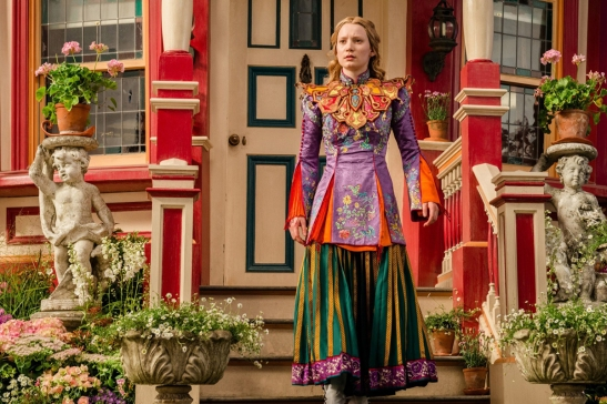 Alice_Through_The_Looking_Glass_review