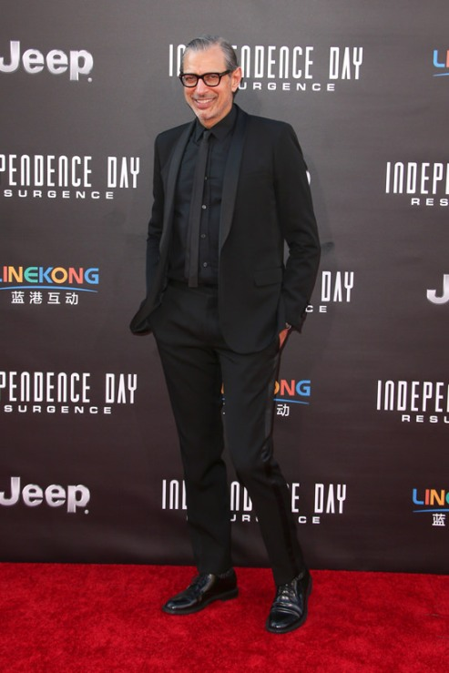 Independence-Day-Resurgence-Los-Angeles-Premiere-Red-Carpet-Rundown-Tom-Lorenzo-Site-6