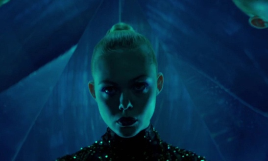 moviereview_theneondemon_062216_image6