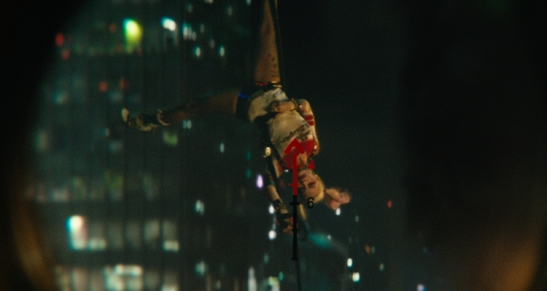 harley-quinn-suicide-squad-helicopter-scene-193925