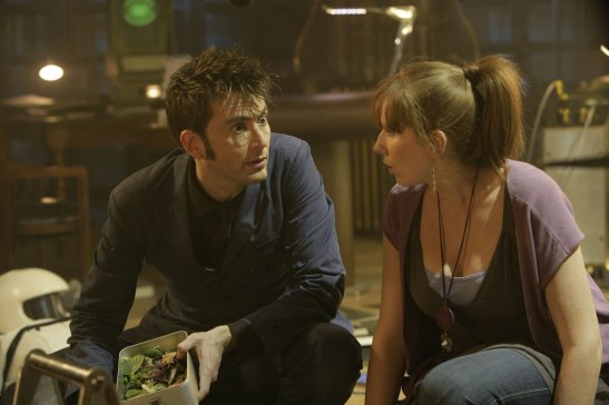 doctor-who-195-silence-in-the-library-forest-of-the-dead-s4e08-09-dvdbash-09