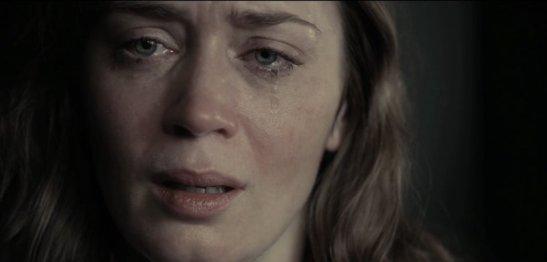 girlonthetrain-blunt-crying