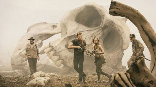 kong-_skull_island_-_tom_hiddleston_-_still_-_h_-_2016