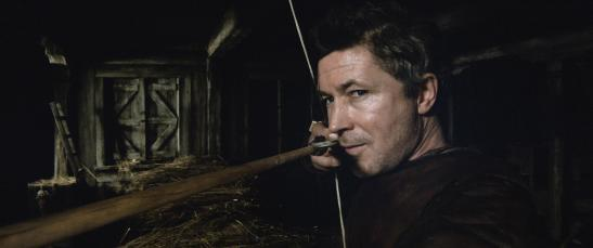 aidan-gillen-in-king-arthur-legend-of-the-sword-2017-large-picture