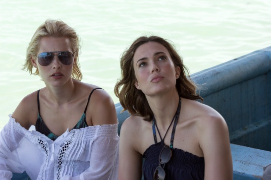Mandy-Moore-Claire-Holt-47-Meters-Down
