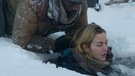 idris-elba-kate-winslet-in-THE-MOUNTAIN-BETWEEN-US