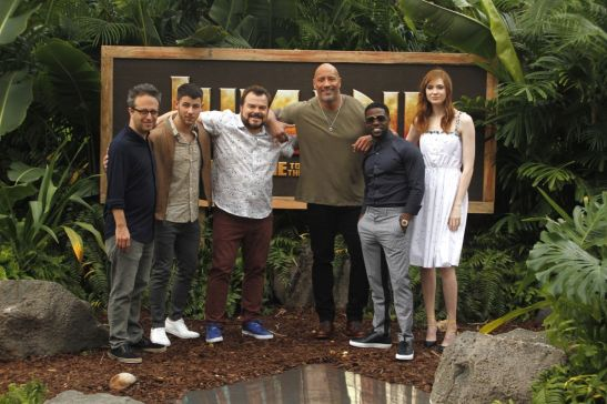 karen-gillan-at-jumanji-welcome-to-the-jungle-photocall-in-kapolei-11-27-2017-1