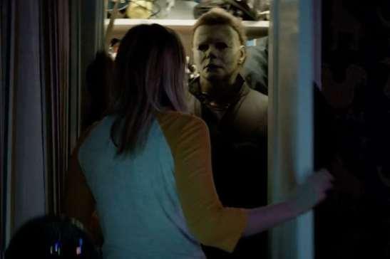 michael-myers-closet-halloween