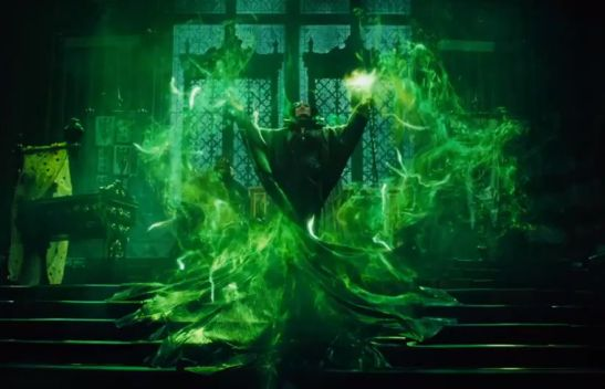 clairestbearestreviews_filmreview_maleficent_sorcery
