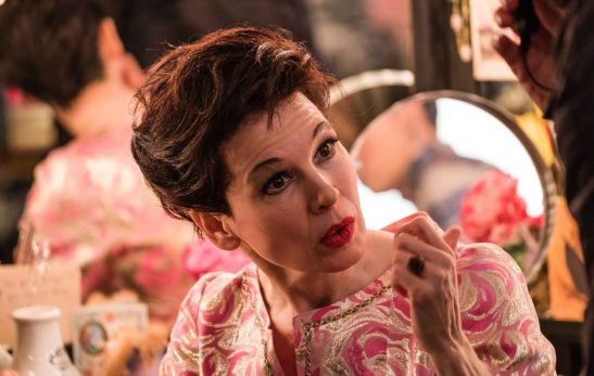 renc3a9e-zellweger-as-judy-garland-in-the-upcoming-film-judy-photo-credit-david-hindley-courtesy-of-ld-entertainment-and-roadside-attractions-2mb-2-5000x3333-920x584